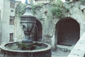 サン・ポール・ド・ヴァンス 街なかの泉