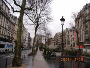 ブランシュ広場 中央遊歩道